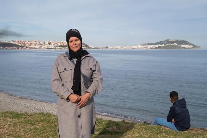 A Fnideq (Maroc), le 13 février 2021. Rachida, 37 ans, est une ancienne «femme mulet», appelée ainsi car elle portait sur son dos d'énormes ballots de marchandises entre l'enclave espagnole et le territoire marocain.