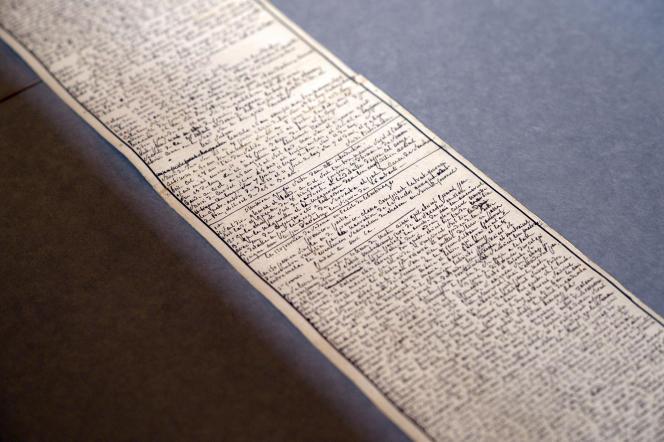 Le 2 avril 2014, l'Institut des lettres et des manuscrits de Paris montre le manuscrit des« Cent vingt journées de Sodome» du marquis de Sade.