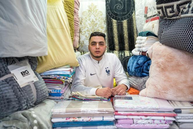 Yassine, 26 ans, vendeur dans la ville de Fnideq, dans le nord du Maroc, le 13 février 2021.