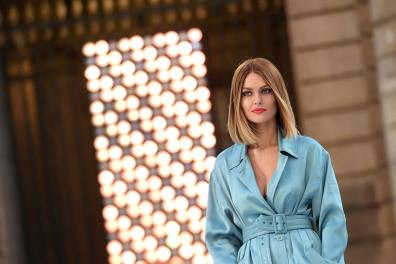 French model and influencer Caroline Receveur presents a creation for L'Oreal during the Women's Spring-Summer 2020 Ready-to-Wear collection fashion show at the Monnaie de Paris, in Paris on September 28, 2019. (Photo by Lucas BARIOULET / AFP)