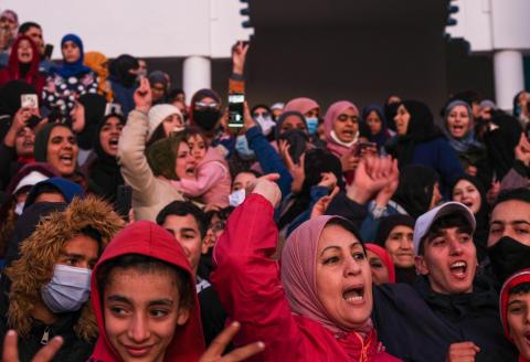 Les habitants de la petite ville cotièreont manifesté pour la deuxième semaine, un sit-in non autorisé avait été organisé devant la mosquée mohammed V,demandant la mise en place d'alternatives après l'arrêt de l'activité de contrebande au poste frontalier de Bab Sebta
