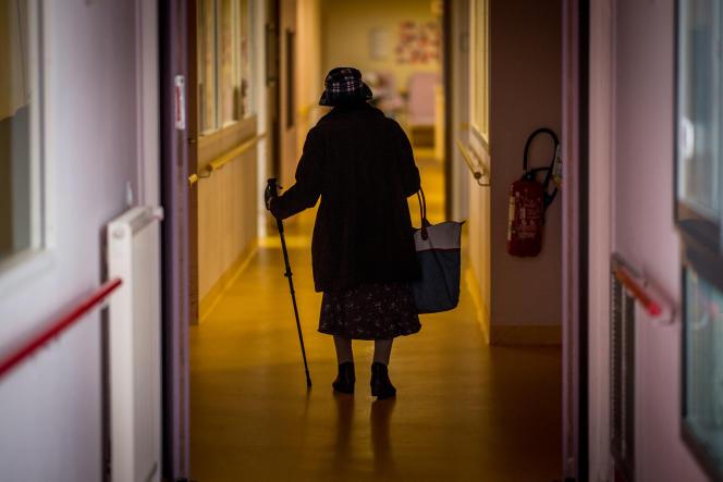 Les Ehpad sont mis en cause dans 80 % des 900 réclamations déposées à la Défenseure des droits ces six dernières années, pour dénoncer les conditions et les modalités d'accompagnement médico-social des personnes âgées.