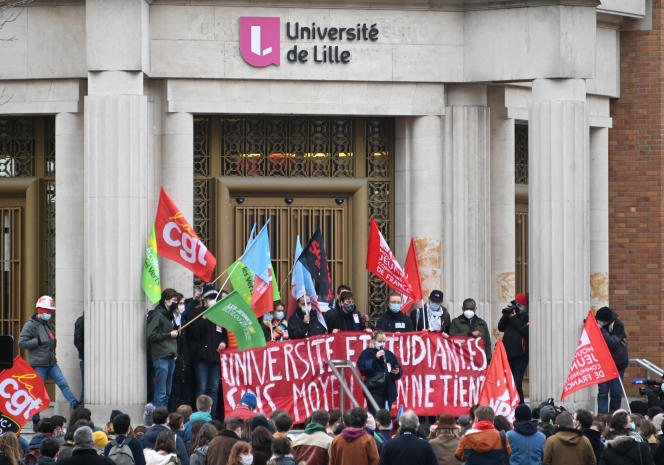 Manifestation pour demander la réouverture des universités, à Lille, le 20 janvier 2021.