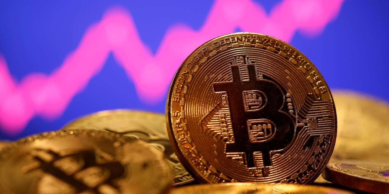 Le marché du bitcoin dépasse les 1 000 milliards de dollars, faisant craindre l'explosion de la bulle - Le Monde