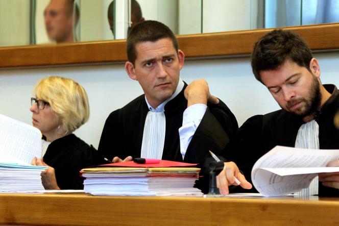 Me Jean-Yves Moyart lors du procès aux assises des bandes de Roubaix et Tourcoing, à Douai (Nord), en octobre 2011.