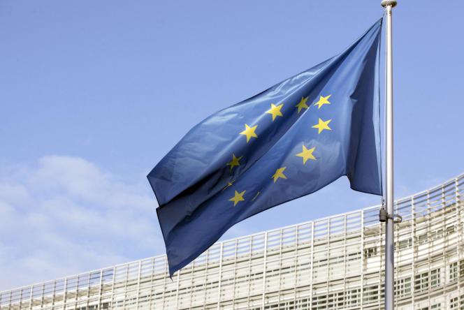 Le 25 décembre 2020, devant la Commission européenne, à Bruxelles.