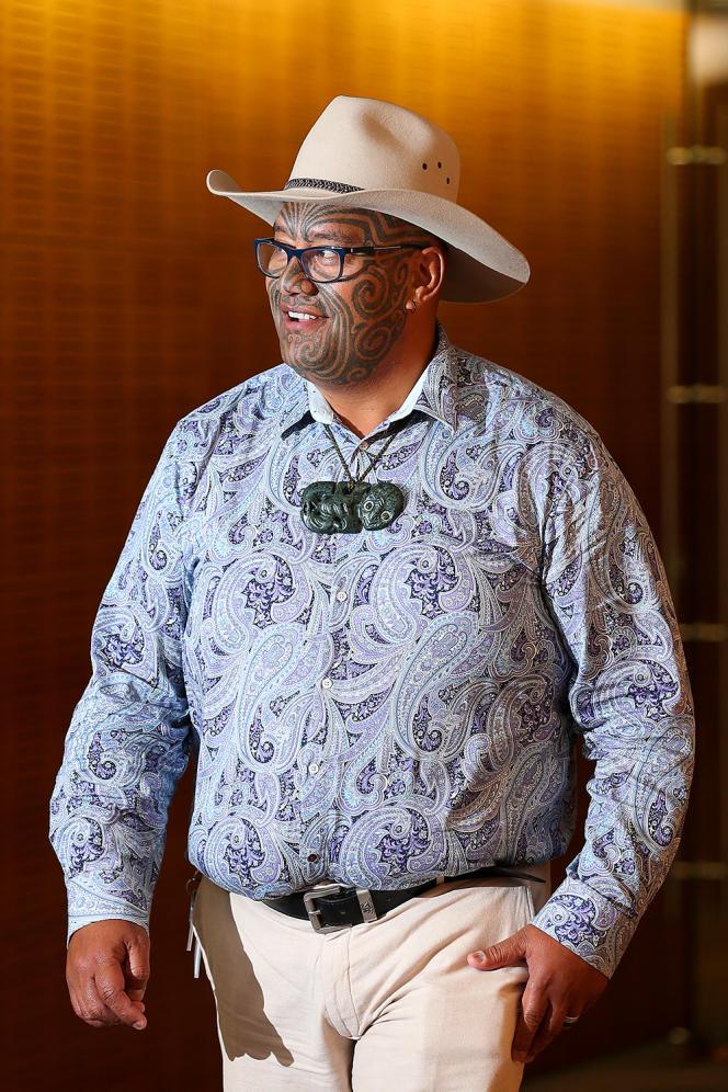 On February 15 in Wellington, New Zealand, Maori party MP and co-chairman Raviri Waiti wore a traditional hee-tiki around his neck.