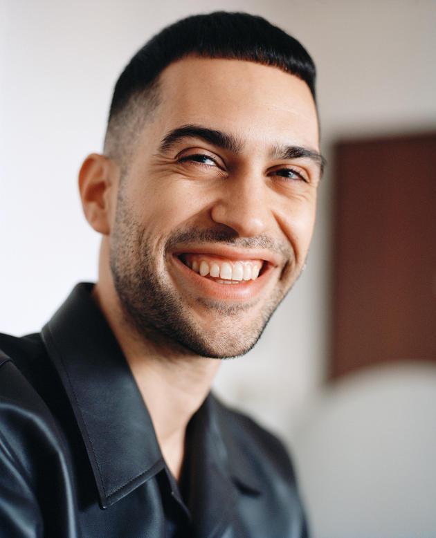 Le chanteur Mahmood chez lui à Milan, le 12 janvier.