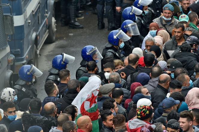 A Alger, lors de la manifestation célébrant le deuxième anniversaire du Hirak, le 22 février.