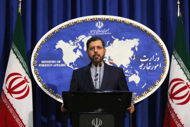 Le porte-parole du ministère iranien des affaires étrangères, Saeed Khatibzadeh, lors d'une conférence de presse, à Téhéran, le 22 février 2021.