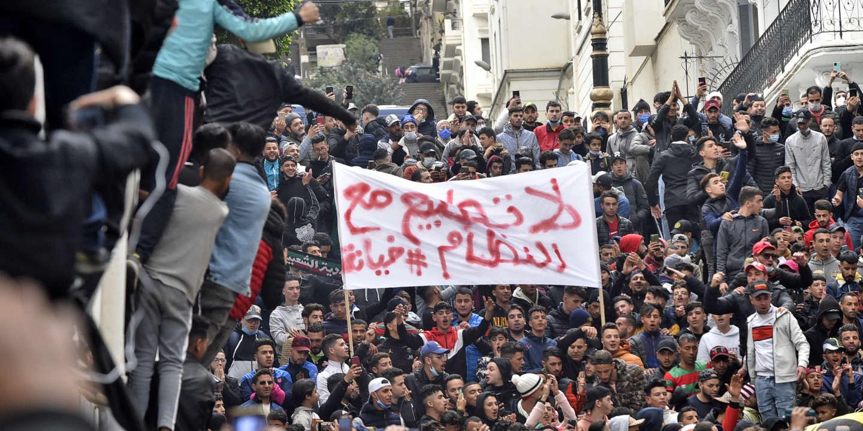 A Alger, deux ans après, la rue renoue avec le Hirak - Le Monde