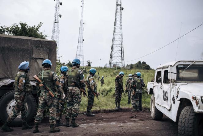 Des soldats de l'ONU au bord du parc national des Virunga, près du village de Kibumba, à 25 km de Goma, où l'ambassadeur d'Italie en République démocratique du Congo, son garde du corps et son chauffeur ont été tués, lorsque leur voiture a essuyé des coups de feu alors qu'il était en excursion sur le terrain, le 22 février 2021.
