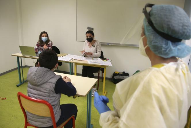 Un rendez-vous médical dans un collège de Vico, en Corse-du-Sud, le 29 janvier.