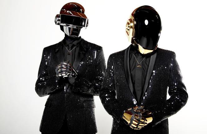 Le duo Daft Punk, formé par Thomas Bangalter et Guy-Manuel de Homem-Christo, à Los Angeles (Californie), en avril 2013.