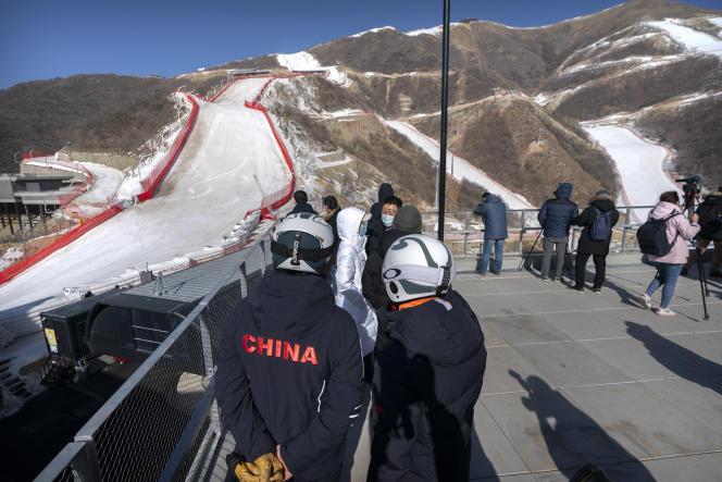 Au centre de sports d'hiver de Yanqing près de Pékin, où se tiendront les épreuves de ski alpin, de bobsleigh et de luge lors des JO de 2022.