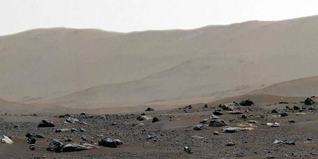 Mars et le Rover Perseverance... C02d013_5281508-01-06