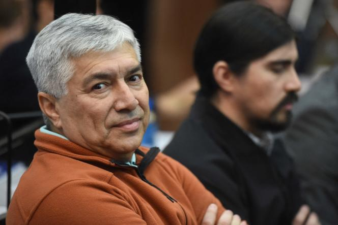 El empresario Lázaro Báez (izquierda) y su hijo Martín en un juicio por lavado de activos en Buenos Aires el 30 de octubre de 2018.