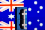 Logo 3D de Facebook devant le drapeau australien, le 18 février 2021.