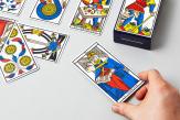 Comment le jeu de tarot est devenu un objet divinatoire