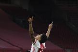 Le joueur de l'Ajax David Neres montre sa joie après l'inscription d'un but contre Lille, jeudi 25 février 2021.
