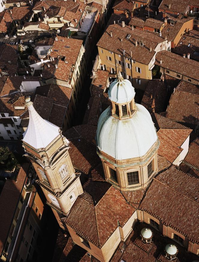 Vue aérienne de Bologne, en Italie.