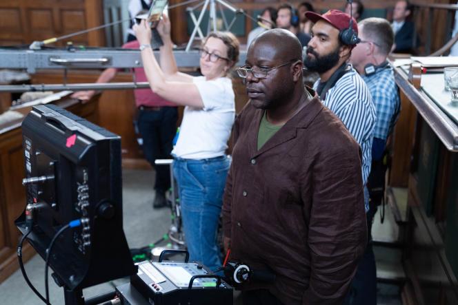 Le réalisateur Steve McQueen, en juillet 2019, sur le tournage de la série « Small Axe ».