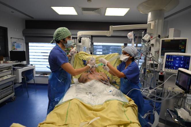 Dans l'hôpital Tenon, à Paris, le 26 janvier.