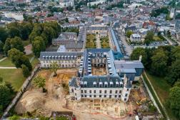 vue d'ensemble, prise par drone, du château de Villers-Cotterêts lors des fouilles menées en 2020.