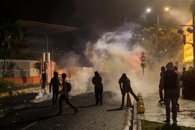 Manifestations contre le chlordécone devant le palais de justice, à Fort-de-France, en Martinique, le 13 janvier 2020.
