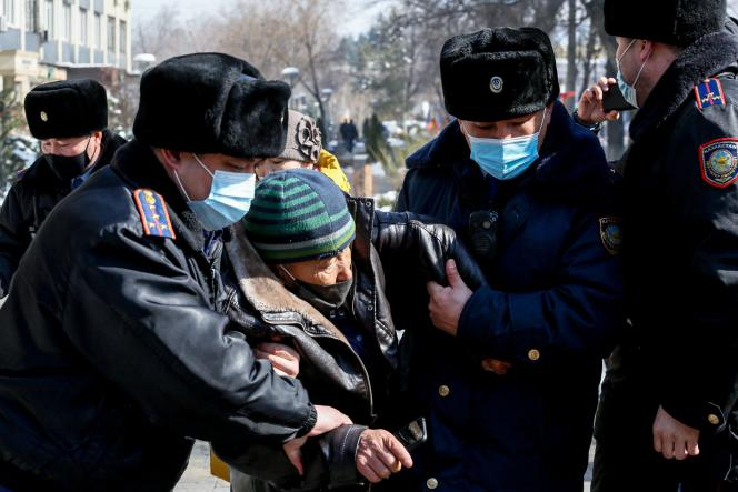 Dans la capitale Astana, le 28 février.
