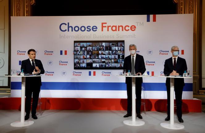 Emmanuel Macron, Bruno Le Maire et Franck Riester, à l'Elysée, le 25 janvier 2021.