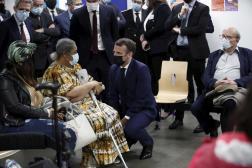 Emmanuel Macron, le 1er mars 2021 à Bobigny (Seine-Saint-Denis).