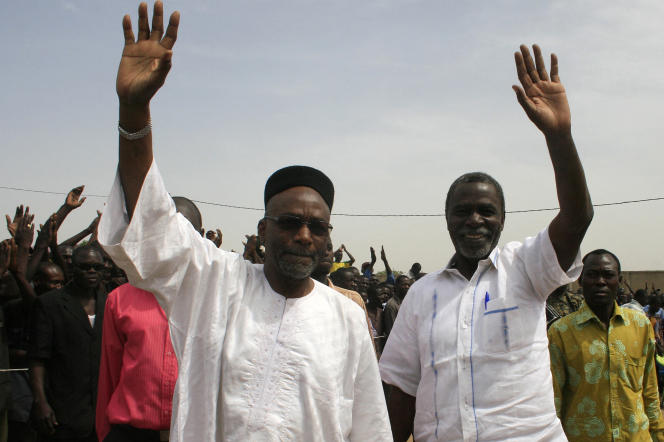 Le tchadien Saleh Kebzabo (à gauche) en 2011 à N'Djamena.