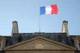 Devant l'entrée du palais de l'Elysée à Paris, le 14 novembre 2018.