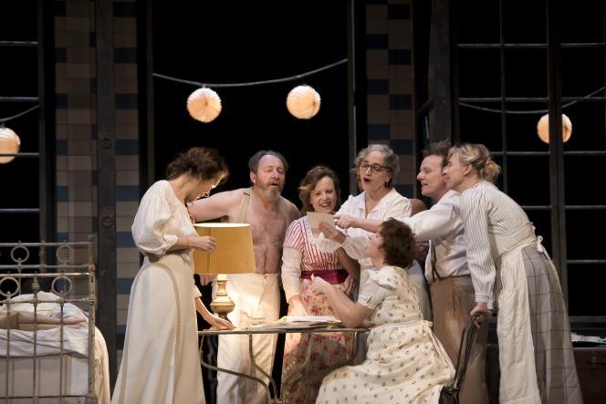 «Fanny et Alexandre», d'Ingmar Bergman, mise en scène de Julie Deliquet, à la Comédie-Française.