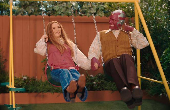 Wanda (Elizabeth Olsen) et Vision (Paul Bettany) dans la série «WandaVision», diffusée sur la plate-forme Disney+.