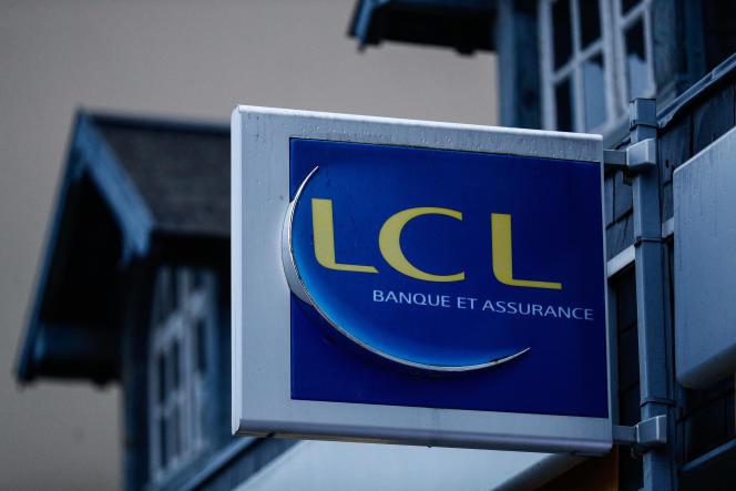 Une agence de la banque LCL, à Ouistreham (Calvados), en 2019.