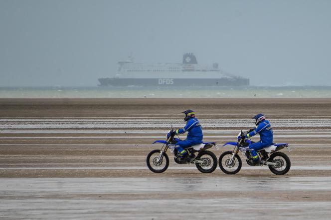 Une patrouille de la gendarmerie, à Oye-Plage (Pas-de-Calais), en janvier 2020.