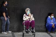 File d'attente pour une vaccination au Mexique, le 17 février.