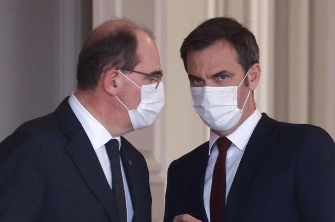 Le premier ministre Jean Castex (gauche) et le ministre de la santé Olivier Véran (droite), à l'Élysée, le 3 mars.