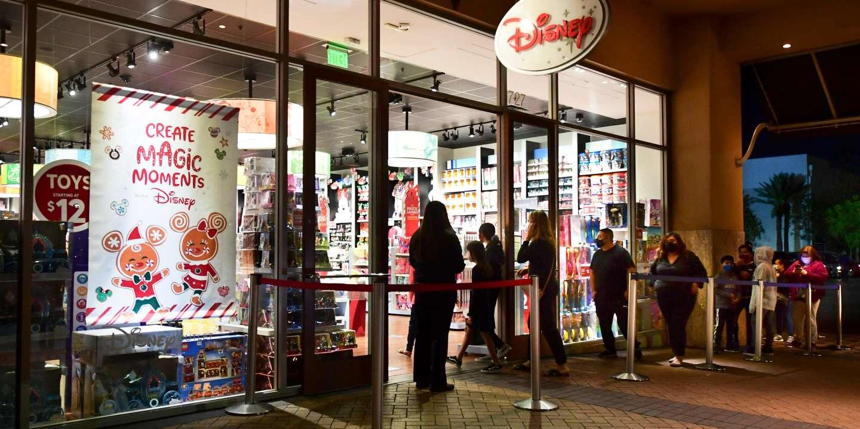 Disney annonce la fermeture d'au moins 60 magasins en Amérique du Nord cette année - Le Monde