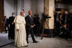 Le pape François (à gauche) avec le président irakien, Barham Saleh, au palais présidentiel, à Bagdad, le 5mars2021.