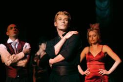 Le 22 janvier 2003, Patrick Dupond (au centre) lors d'une répétition de la comédie musicale «L'Air de Paris».