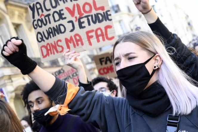 A Paris, le 6 mars.