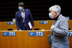 Carles Puigdemontet Clara Ponsati, au Parlement européen, le 8 mars.