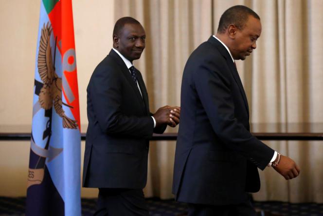 Le président kényan, Uhuru Kenyatta (à droite), et le vice-président, William Ruto, à Nairobi, le 21septembre 2017.