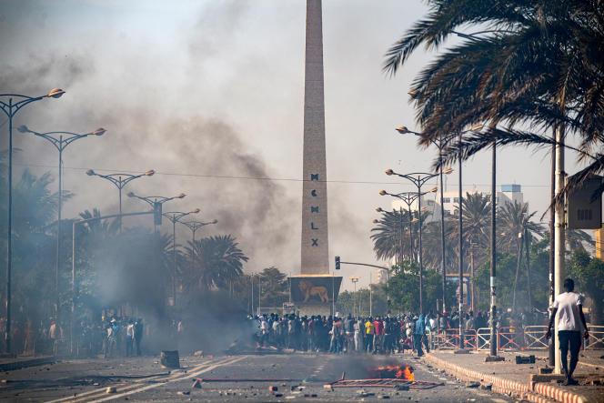 Place de la Nation, à Dakar, vendredi 5 mars, lors d'une manifestation contre l'arrestation del'opposant politique Ousmane Sonko.