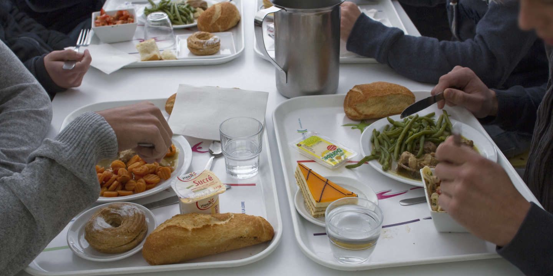 Les cantines scolaires de Lyon vont réintroduire partiellement la viande à la rentrée, fin avril