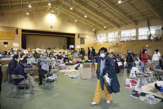 Les personnes sinistrées sont abritées dans l'école Takata. Rikuzentakata, le 20 mars 2011.