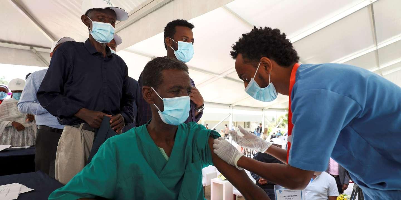 Covid-19 : la dépendance de l'Afrique à l'AstraZeneca fragilise les débuts  de la vaccination